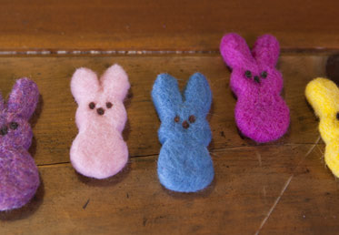 In this Easter craft project for kids, you can make these peeps are a perfect needle felting project to make with kids. These bright colors area a fun project to do as a spring craft project for kids.