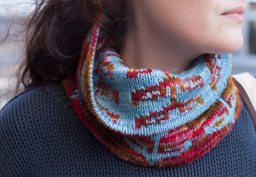 Jill Draper teaches double knitting in this sprout cowl class.  She gives you all the skills you need on a practice swatch, a special two-color cast on, working double knitting flat and in the round, kitchener stitch to finish