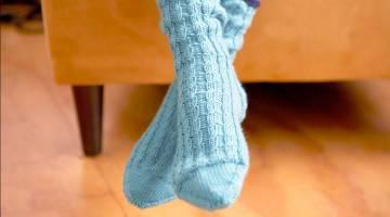 How to Knit Twisted Rib Socks