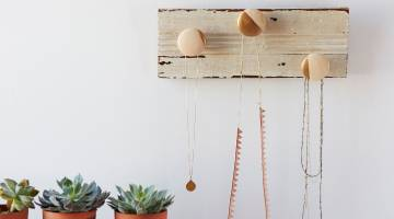 DIY Painted Hardware Accessory Rack