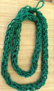 This was so easy and straightforward- what a great way to use yarn scraps!