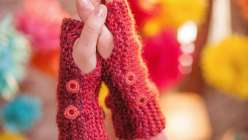 Maggie Pace teaches you how to seam the swatches into fingerless gloves and add decorative, yarn-wrapped buttons to dial up the cozy effect.