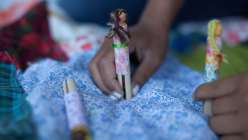 Kata Golda teaches this crafting class, making these children's stuffed felt toys. In this crafts for kids lesson she teaches how to sew these with hand stitching and machine sewing.