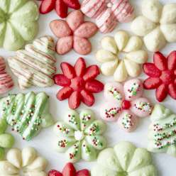 Learn how to decorate cookies using sprinkles, sugar pearls and candy with the Wilton Method