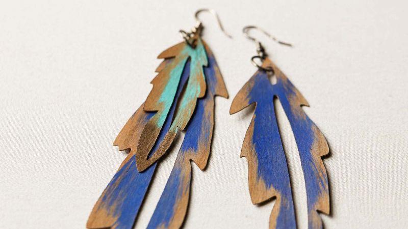 Cricut Crafts Make Wood Veneer Feather Earrings By