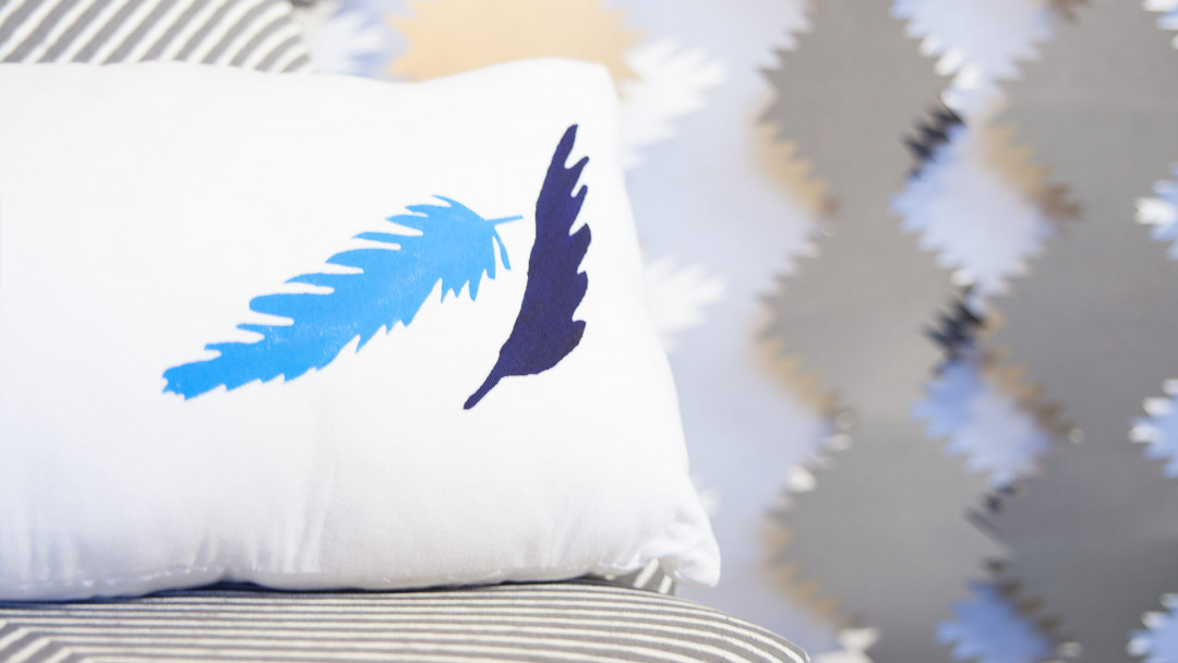 Cricut Crafts: Feather Home Décor by Courtney Cerruti