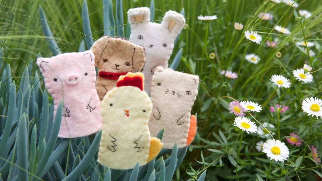 Hand Sew Farm Animal Finger Puppets by Kata Golda
