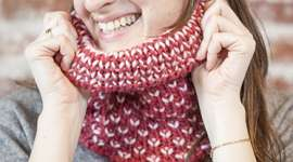 Make a Reversible Double Knitted Cowl