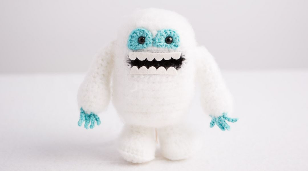 Crochet Newborn Snowman Hat and Cocoon Pattern | AMK Crochet | 600x1080