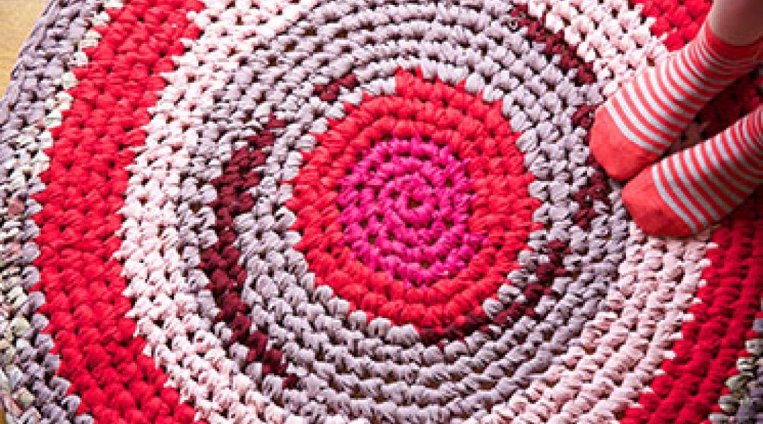Crocheting Rag Rugs Tutorial : Crochet a Rag Rug by Cal Patch - Creativebug