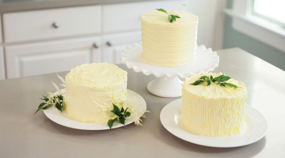 The Wilton Method Three Ways To Ice A Cake By Wilton