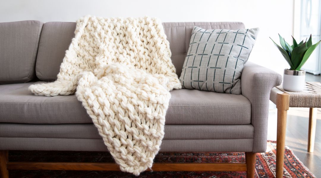 Arm Knitting: Make a Throw Blanket
