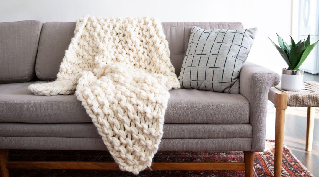 Arm Knitting: Make a Throw Blanket