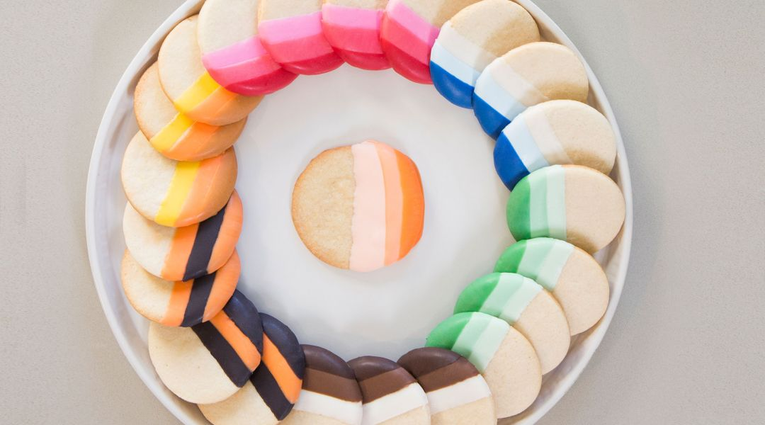 The Wilton Method: Colorful Dipped Cookies and Pretzels