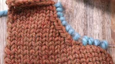 Knitting Pick Up Stitches Along Curved Edge : Picking Up Stitches Along a Curved Edge by Edie Eckman - Creativebug