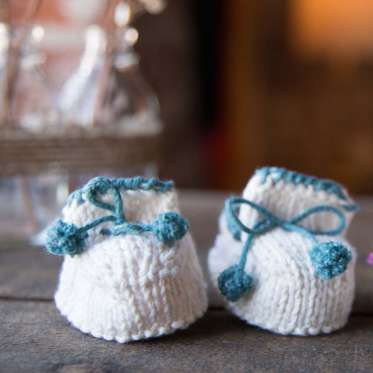 Beginner Knits How To Knit Baby Booties By Maggie Pace Creativebug