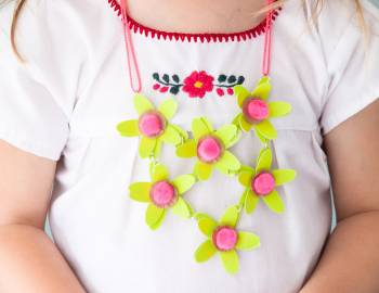 Kids Cricut Crafts: Paper Flower Necklace