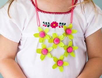 Kids Cricut Crafts: Paper Flower Necklace