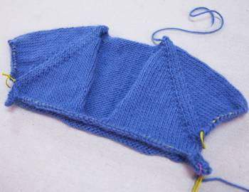 Top-Down Sweater Knitting: Custom-Fit Raglan Sweater