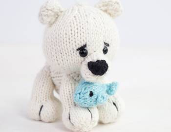 Knitted Polar Bear